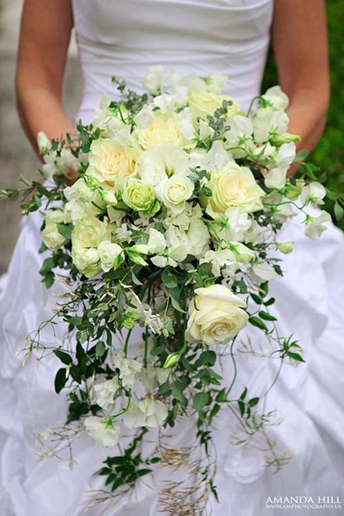 Cascading-Bouquet-amphotography-poshdesigngroup